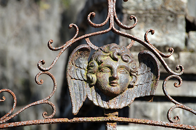 Angel Laurel Cemetery