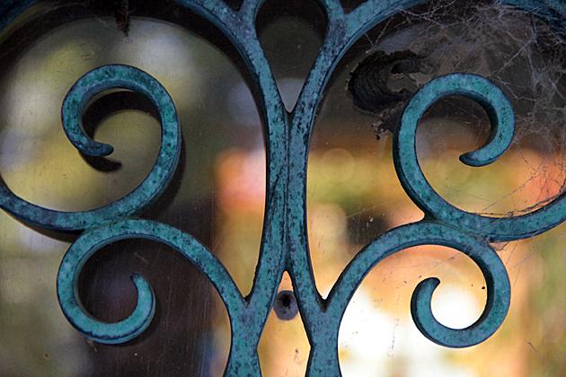 grave iron art